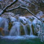 Plitvice-waterfall_winter-Wallpaper-Hd-07942-915x515